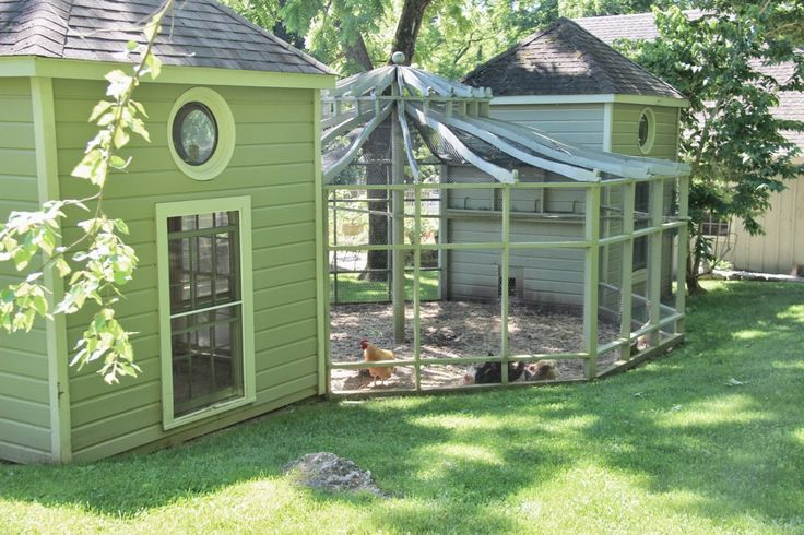 Awesome Chicken Coop and gazebo pen set up. Lots of beautiful inspirational photos on this property too. Tone on Tone: Visiting Bunny Williams + Giveaway!