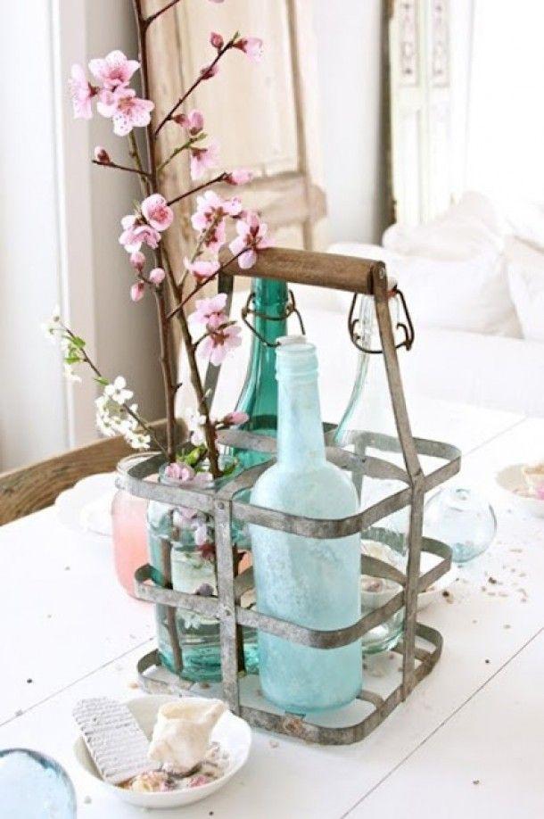Landelijk antiek en brocante | Mooi oud Frans flessenrekje, brocante tafels of luiken; alles te vinden bij www. Door Syl