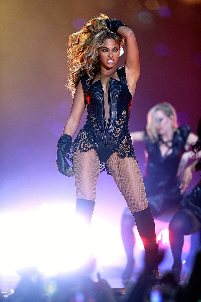 Any woman — Beyoncé — who can rock a leather and lace bodysuit (on the Super Bowl halftime stage) gets an A+ in our book. #Beyonce #RubinSinger #SuperBowl