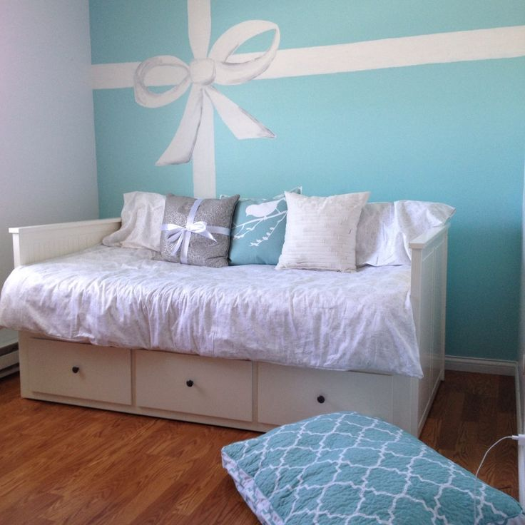 Tiffany Blue Wall Paint: Brennas Room!!!!! :) Tiffany Bow Painted With Acrylics On
