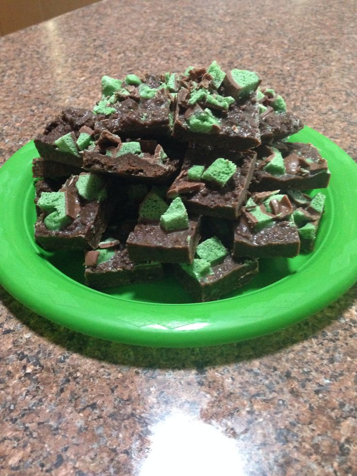 {Peppermint Slice} - 2 x 250g packet Chocolate Ripple - Tin of condensed milk - 2 x 155g block of Cadbury Mint Bubbly (1 block for slice, 1 block for topping) - 125g butter ~ Crush biscuits and put in a microwave safe bowl ~ Add condensed milk, 1 block chocolate and butter ~ Put in microwave for 3 minutes ~ Stir together and put in slice tin Slice (or crumble) the remaining block of chocolate and sprinkle on top ~ Place on fridge until firm YUM!