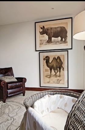 La madera oscura y burda, el cuero y el hierro son los protagonistas de los diferentes espacios de esta casa