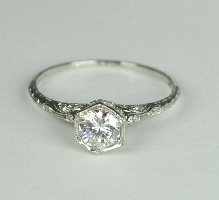 Top Les 25 meilleures idées de la catégorie Bague diamant moderne sur  EF77