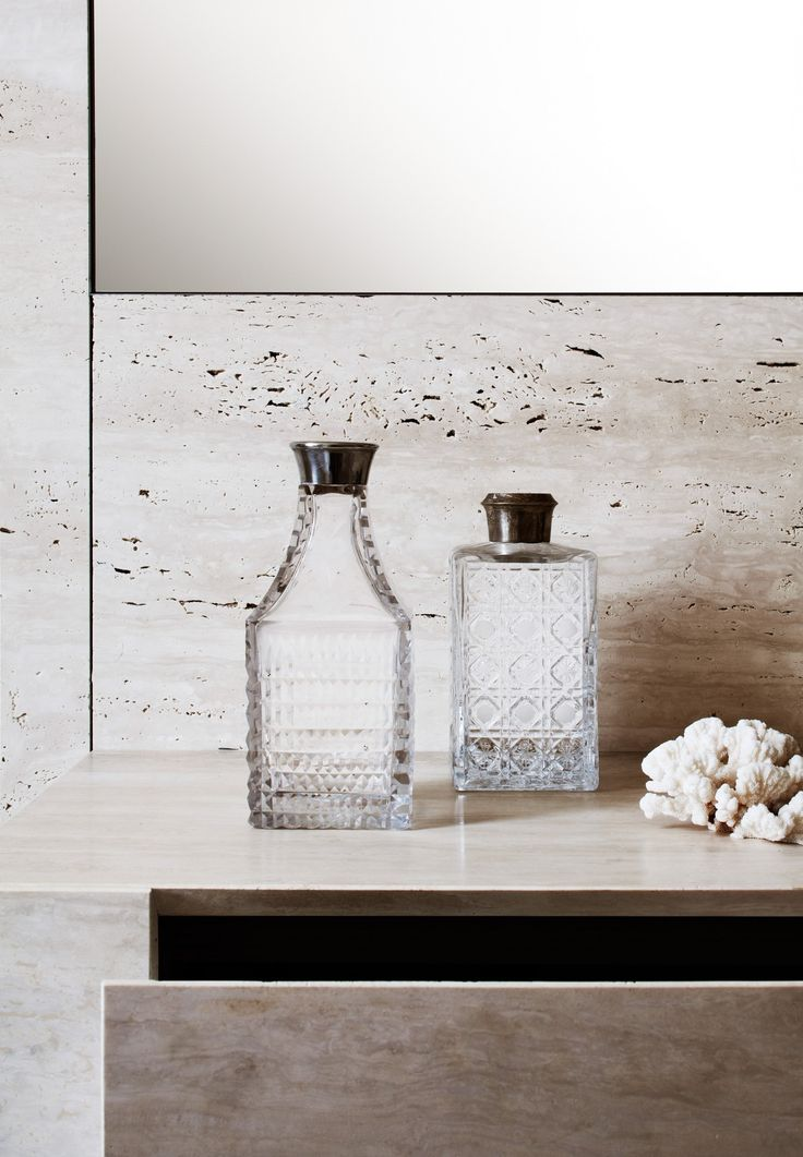 bathroom stone & accessories | Quincoces-Dragò & Partners