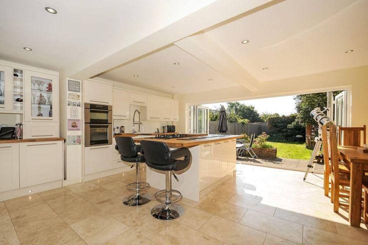 Serious kitchen envy #kitchen #garden #modern