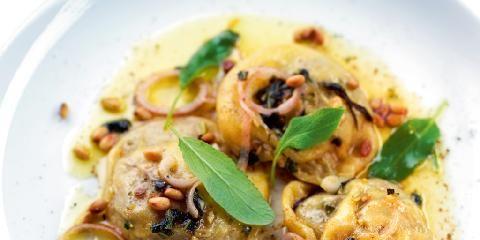 Steinsoppravioli med salviesmør - Her er Trond Mois fantastiske steinsopp-pasta med salviesmør. For en rett!