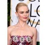 Kate Bosworth - Combinou o olho dourado com máscara de cílios preta. Para completar, blush pêssego e batom rosa