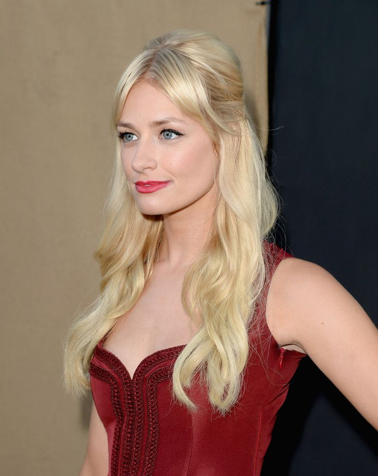 Beautiful Beth Behrs Photos