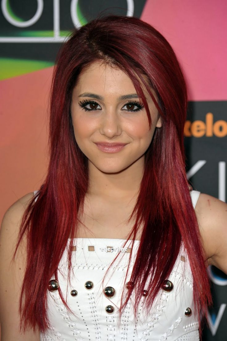 ariana grande from nick who plays Cat on Sam and Cat. Also who plays Cat on Victorious