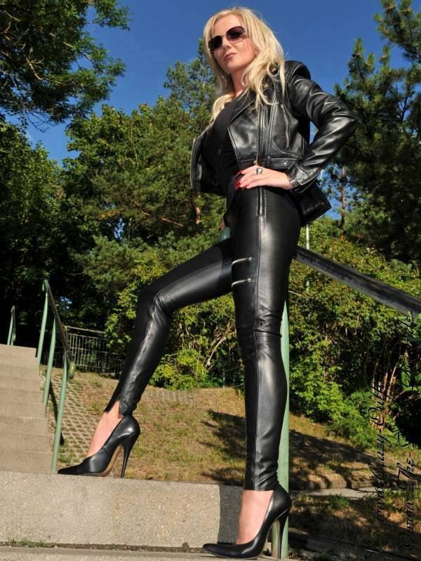 Lady Heike Dip Me In Leather Pinterest Latex