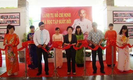 Quận 5 thực hiện tốt Chỉ thị 03-CT/TW của Bộ Chính trị về tiếp tục đẩy mạnh việc học tập và làm theo tấm gương đạo đức Hồ Chí Minh