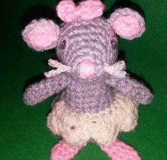Die kleine Maus mit dem Tutu geht sehr gern zum Ballett-Unterricht. Sie ist ein super Geschenk für kleine Ballerinas + für alle, die Mäuse mögen. Häkle los.