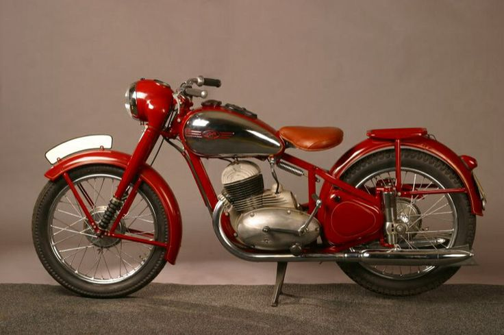 Year 1939 - New product Jawa 250 Duplex motorcycle  Year 1946 - post war production of Jawa 250 and Jawa 350 motorcycles began. Jawa introduced a powerful 250cc two stroke with compact engine and dual exhausts, rare wheel suspentions and many other innovations. This motorcycle became a widespread utility motorcycle around the world.  A 350cc twin cylinder two stroke type of motorcycle was exported around the world and sold under numerous other brand names as well.