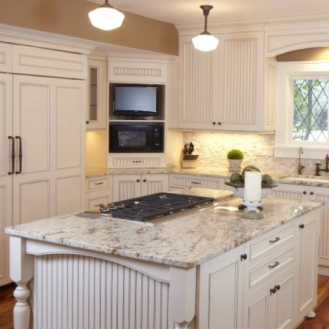 121 best images about kitchen on pinterest l shaped for Kitchens with islands in the middle