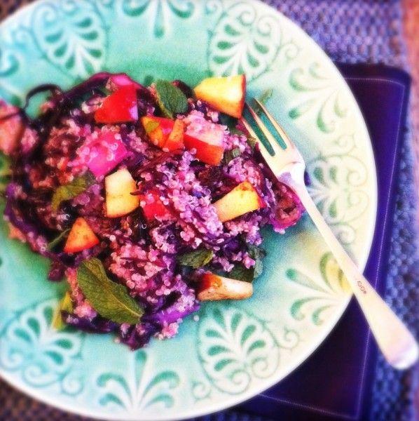 Makkelijke quinoa salade met rode kool & appeltjes | Made by Ellen
