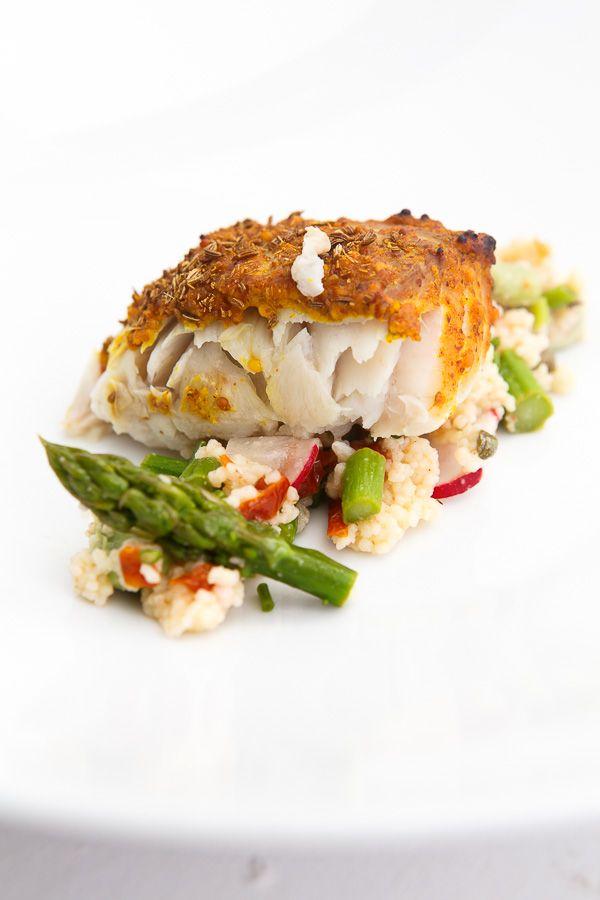 Geräucherter Zander von der Planke mit Frühlings-Couscous-Salat | HighFoodality - Rezepte mit Bild