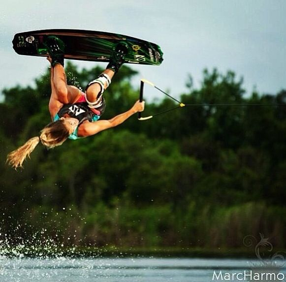 Ten80 team rider @TarahMikacich rocking the #Firstlight boardshorts and Trap Life vest