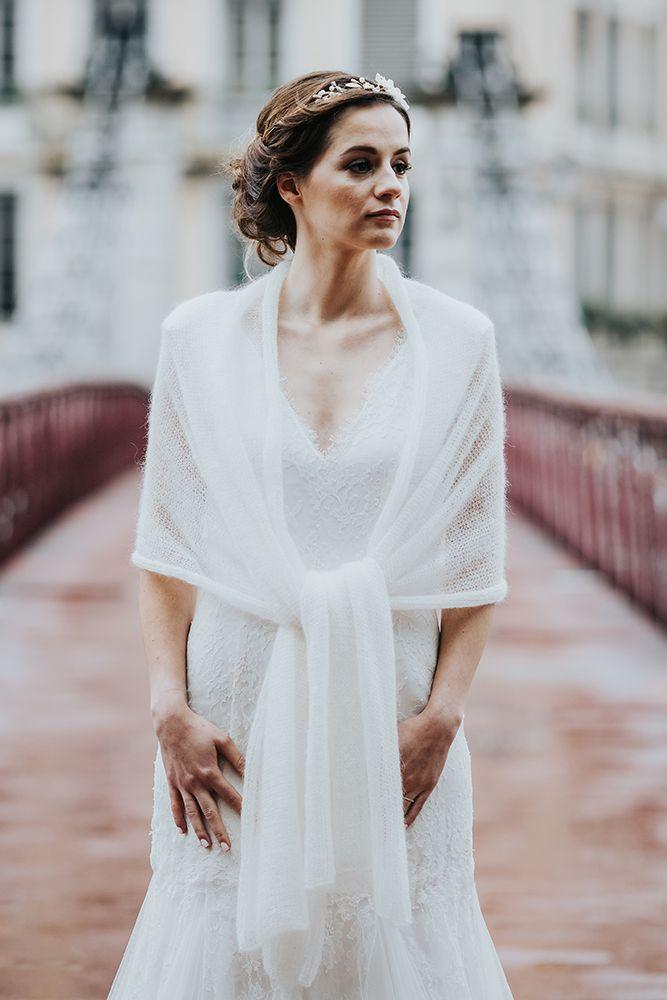 étole mariée pulls pour la mariée, étole en mohair paula, accessoire de mariage lyon créatrice pull mariée Créateur robe de mariée sur mesure à lyon et accessoire de mariage tricoté