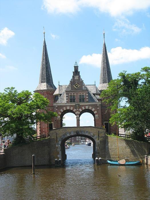 Waterpoort in Sneek, Friesland, Holland.
