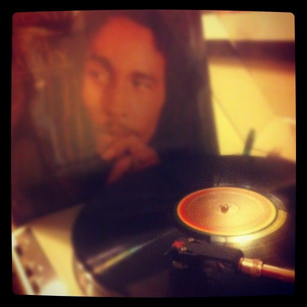 "Bob Marley - Legend (Compilado en 1984) / Mención honrosa ""Exodus"" http://youtu.be/BWw_gP0vDfE"