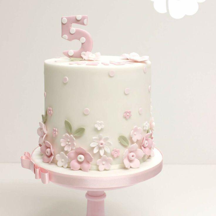 pretty flower birthday cake