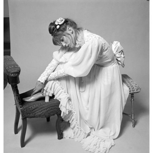 Jane Birkin wearing an haute couture gown by Yves Saint Laurent for the Bal Proust, 1971. Photo by Cecil Beaton.