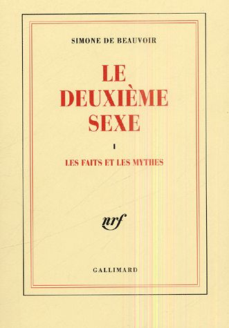 """Simone de Beauvoir publie un ouvrage important sur la condition féminine. Intitulé """"le Deuxième sexe"""", il prône l'égalité des sexes et l'émancipation de la femme, qui ne peut être rendue possible que par une réelle indépendance. Cette œuvre deviendra l'une des références du mouvement féministe."""