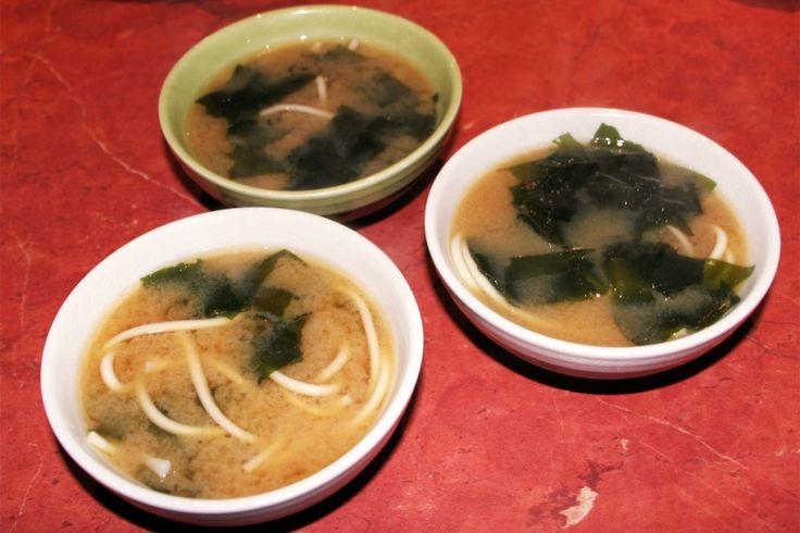 Soupe miso aux algues Wakame et nouilles Udo