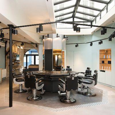 Nous avons testé @BarbieredeParis un espace dédié aux hommes à la recherche d'une coupe signature et/ou d'une prestation barbier. Conseil complet cheveu & barbe, esprit du lieu, savoir-faire, signature « La Barbière de Paris » by Sarah, équipe professionnelle... sont au rendez-vous !  http://www.spa-etc.fr/li…/la-barbiere-de-paris-1er,1352.html @Spa_Etc