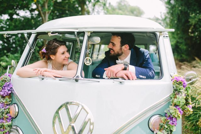 Hochzeit am See mit VW Bulli von Christin Lange