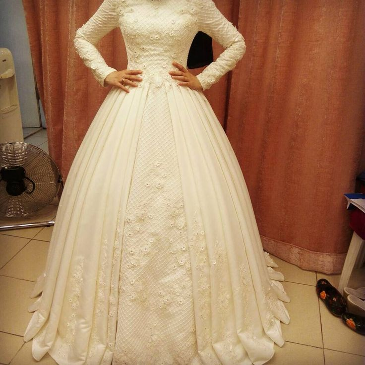42 Best Modest Wedding Dresses