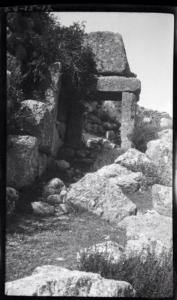 Mycenae. Postern Gate. Dorothy Burr Thompson Greece 1924