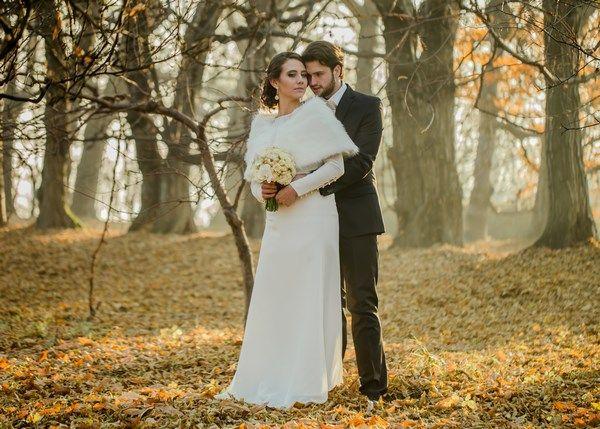 złota sesja ślubna, jesienne naturalne zdjęcia ślubne