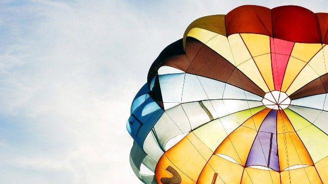 Renkli Paraşüt #wallpaper #Paraşüt #parachute