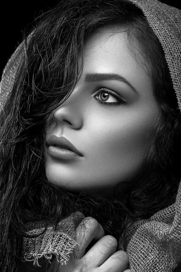 ❤ymm❤ · beautiful ladiesbeautiful peoplepretty peoplebeautiful eyesbeautiful femalesblack and whiteblack white fashionblack white photospretty face