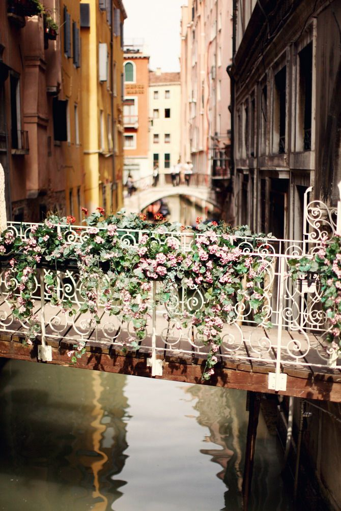 I remember standing on this very bridge! Venice is so much fun to just get out and walk, get lost and see the many beautiful bridges and canals. A must for lovers!
