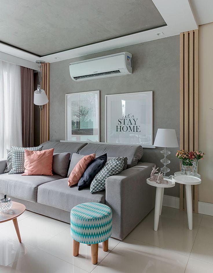 Salas integradas com painel ripado de madeira e azulejo 3D | Minha Casa