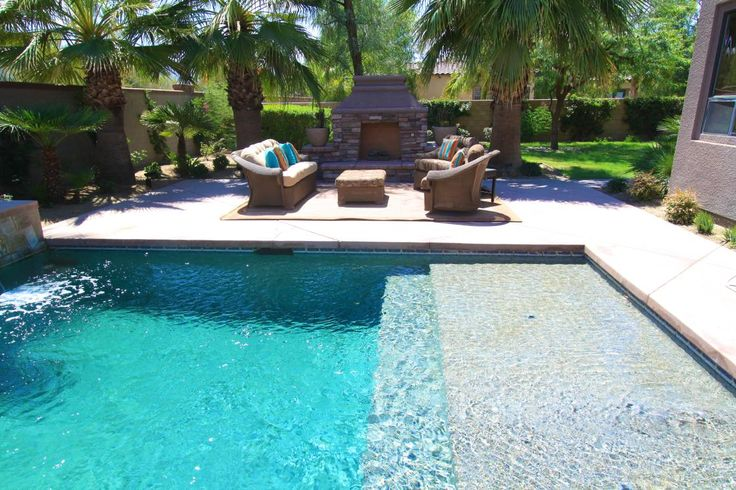 LOVE - small pool with tanning shelf & fireplace