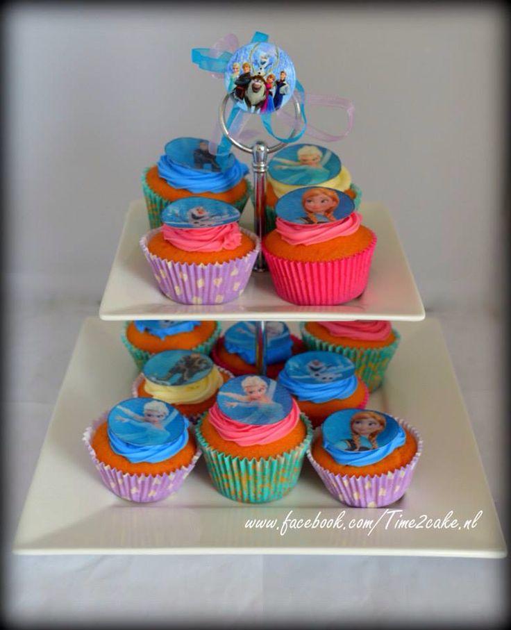 Frozen cupcakes Sweettable
