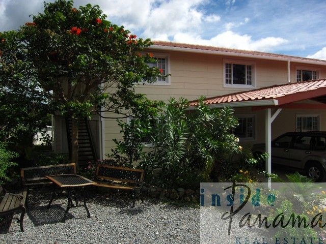 This 2 bedroom 2 bathroom condo is in a gated community in Boquete.  1400 square feet, mountain views and tax exemption - let Inside Panama Real Estate relocation experts show you this great place!