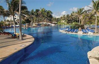 Oasis, Cancun