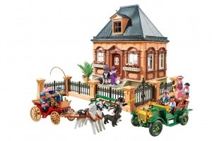 Playmobil Victorian House. FAO Schwarz's is celebrating 150 years!