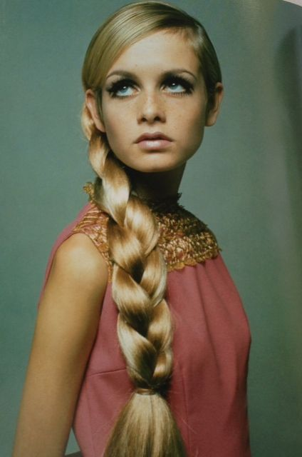 Retro aka Mid-Century Modern (40s, 50s, 60s, 70s) Twiggy- model, actress, singer