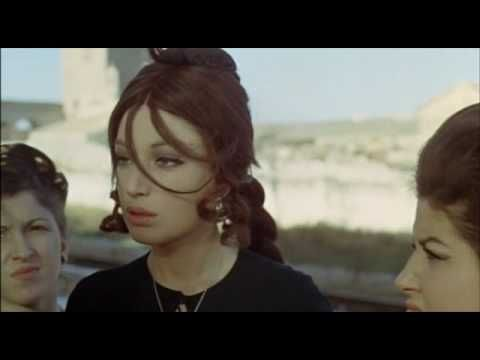 Film shot in Polignano a Mare in 1968 - The girl with gun #polignanomadeinlove #polignanolovers #weareinpuglia #puglialways #inpuglia365 #polignanoamare #LargoArdito #1968