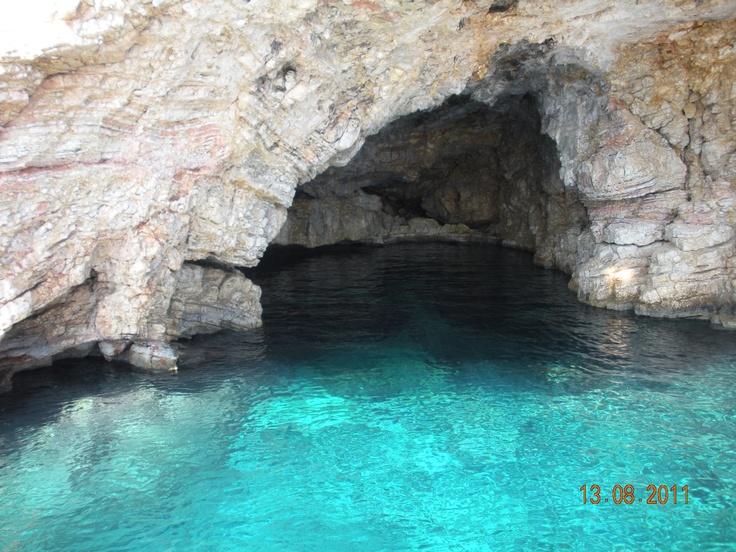 Grotta della foca - isole Sporadi, Grecia