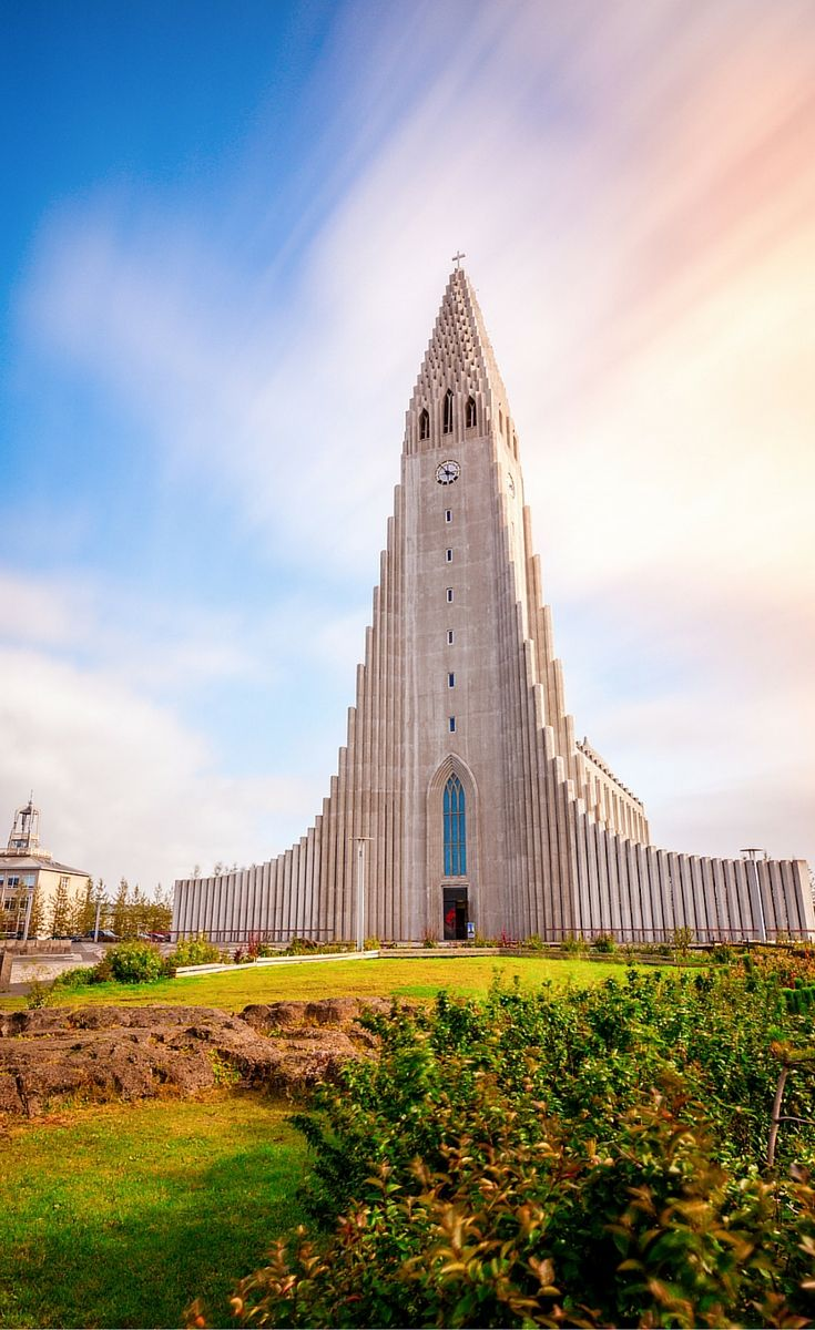 The famous Hallgrimskirkja church! Reykjavik, Iceland's capitol is one of the cleanest, safest, and happiest cities in the world. Even though it only has an urban area population of around 200,000, it is the home of the vast majority of Iceland's inhabitants. Click through to read more on the gorgeous city!