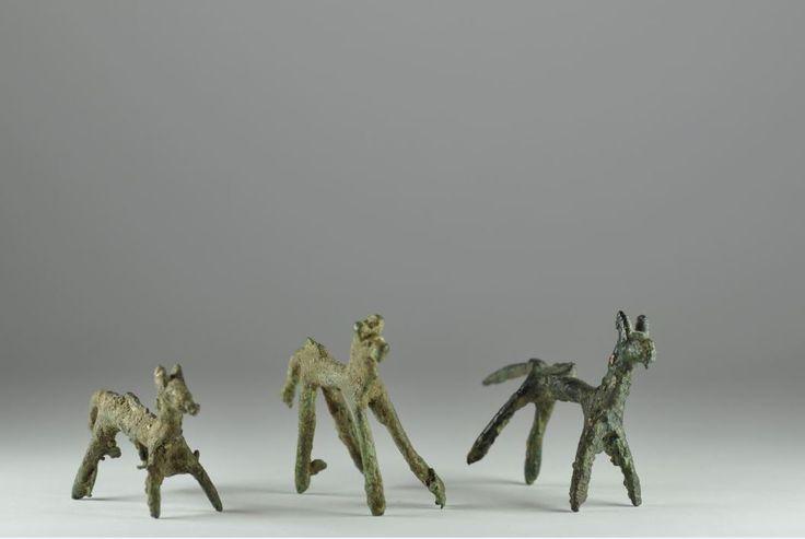 Kerman bronze votive horses, 2nd millennium B.C. Lursitan Kerman bronze votive horses, 6.7 cm long max. Private collection