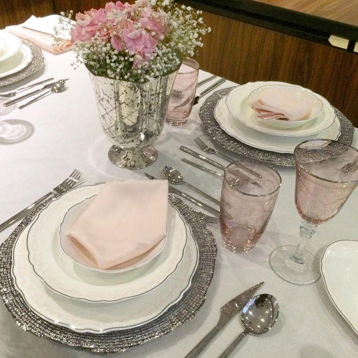 Masa nasıl kurulur? Masa da kaşık, çatal, bıçak tabağın ne tarafına konur? Tüm bu sorular ve yanıtları için Karaca ile Senin Sofran eğitimi yazım yayında...  http://www.yemeksohbetleri.org/2015/06/karaca-ile-senin-sofran-egitimi.html Ayşenur Kıvılcım Karaca #karaca #seninsofran
