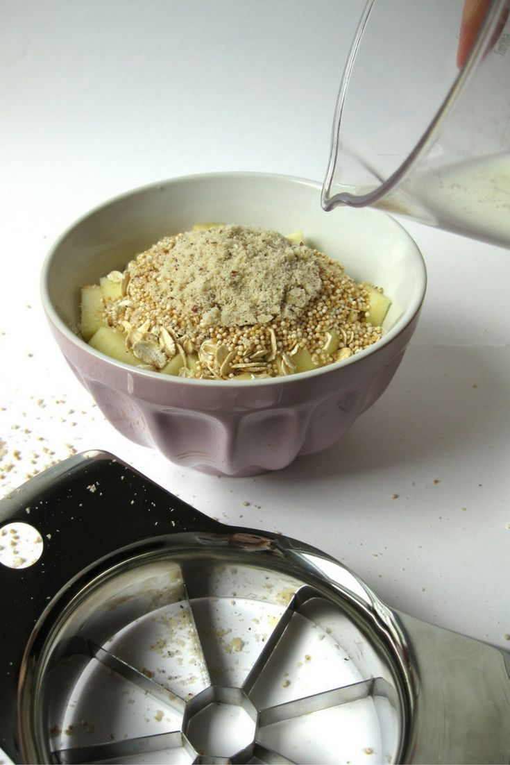 Rezept für ein gesundes Müsli oder auch Overnight Oat mit Amaranth, Apfel, Haferflocken, Haselnüssen und Milch (Mandelmilch, Hafermilch oder Kuhmilch). Ist einfach, geht schnell, macht lange satt und schmeckt