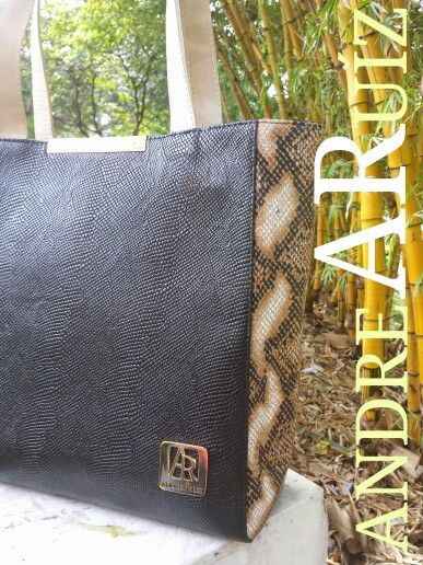 Leather Bags by Andrea Ruíz